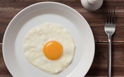 EGGS CONTAIN LUTEIN AND ZEAXANTHIN — ANTIOXIDANTS THAT HAVE MAJOR BENEFITS FOR EYE HEALTH